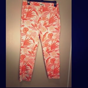 Old Navy Pixie Pants Coral Floral Print size 8